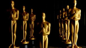 Academy-Awards-Statues-600x337