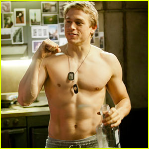 charlie-hunnam-lands-fifty-shades-of-grey-role