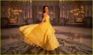 new-beauty-and-the-beast-movie-images-emma-watson-01