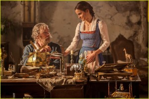 new-beauty-and-the-beast-movie-images-emma-watson-05