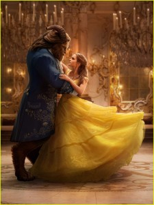 new-beauty-and-the-beast-movie-images-emma-watson-06